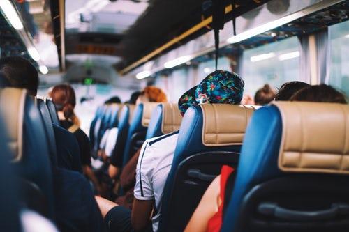 Viaja en autobús para unas vacaciones inolvidables